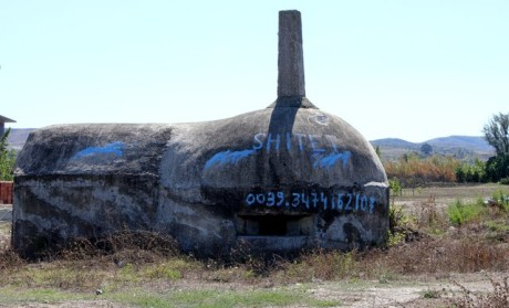 FOTO: Bunkr v Albánii na prodej