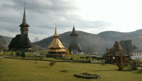 Mezi kostely z oblasti Maramureš hledejte nejvyšší dřevěnou stavbu v Evropě. Měří 75 metrů, zdroj: youtube.com