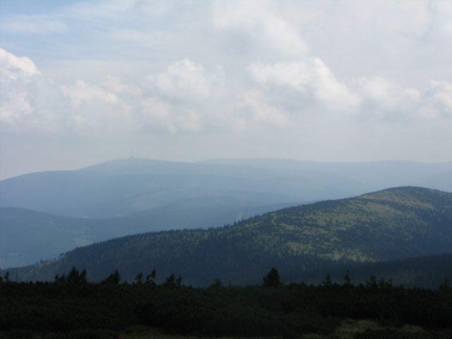 Pohled na panorama Jeseníků s horou Praděd v dáli. Foto: Petra Pospíchalová, JenProCestovatele.cz