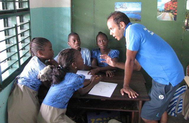 FOTO: Ansley učí ve škole v Beninu