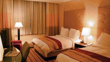 Někteří hosté kradou i hotelové polštáře. Zdroj: Wikipedia.org