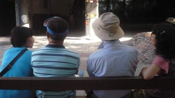Japonské turisty potkáme u každé památky s foťákem a kloboučkem. Foto: Eva Chytková, JenProCestovatele.cz
