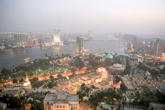 Káhira je nejlidnatějším městem Afriky.