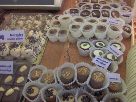 Belgické pralinky dokáží zviklat i ty nejzarytější příznivce diet. Trocha kvalitní čokolády přece nikomuneuškodí
