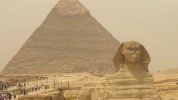 Sfinga drží světové prvenství. Je největší sochou vytesanou z jednoho kamene.