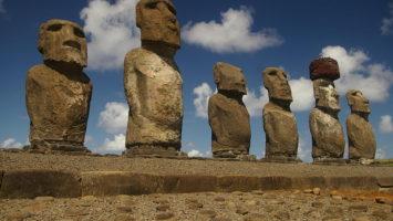 Kdo postavil sochy na Velikonočních ostrovech? Zdroj: Rivi, Wikimedia.org