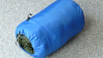 Jak správně sbalit spacák