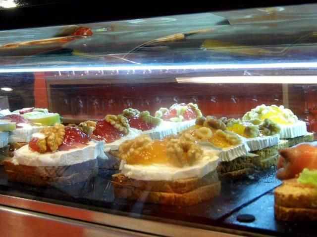 Gastrovýlety po Evropě Pintxos San Sebastian, Španělsko