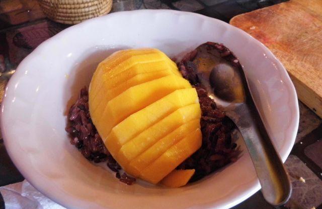 Recept na mango a lepkavou rýži, thajská kuchyně