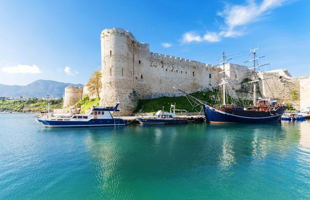 Kam na podzim k moři, Kypr