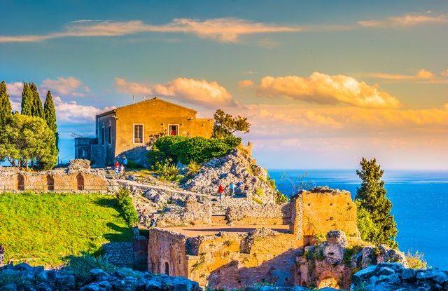 Kam na podzim k moři, Sicílie