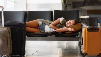 Jak se vyspat na letišti