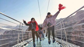 Skleněný most v Hebei