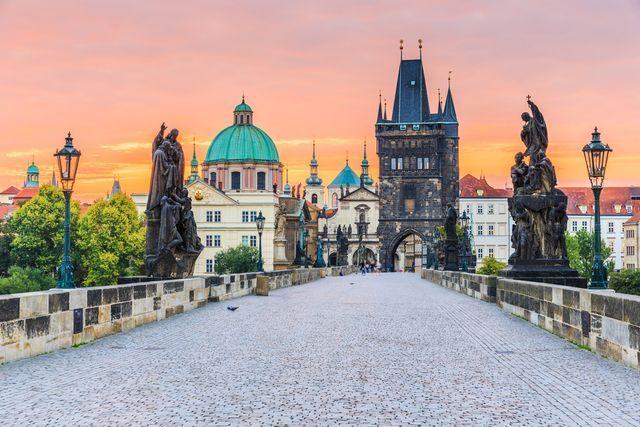 Levná města pro víkendovou dovolenou, Praha, Karlův most