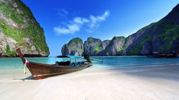 Pláž Maya Bay se uzavírá turistům