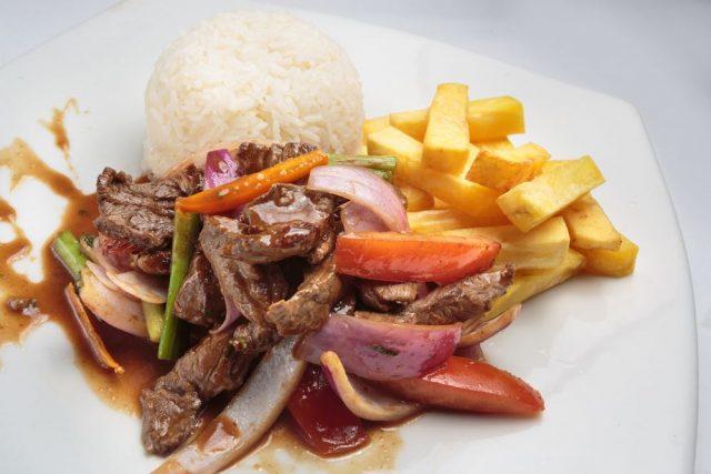 Peruanska kuchyně - Lomo saltado