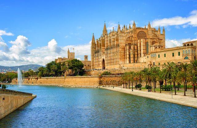 Mallorca zavádí daň pro turisty