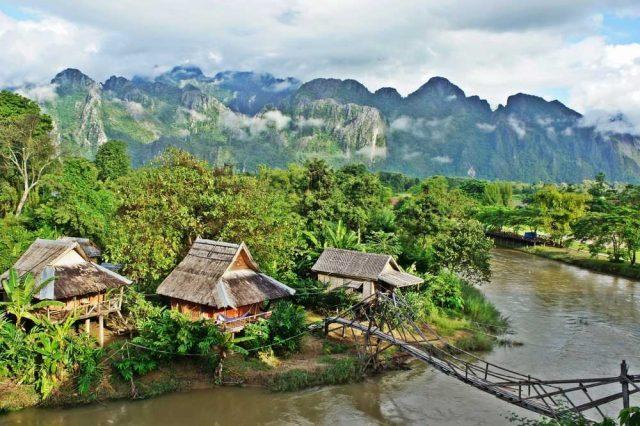 Vang Vieng, cestování po Laosu