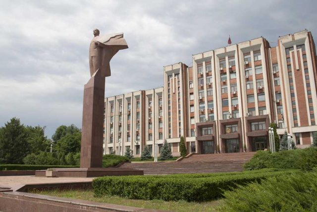 Podněstří, Moldavsko, socha Lenina