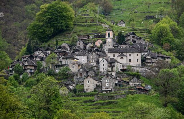 Švýcarsko, vesnička Corippo