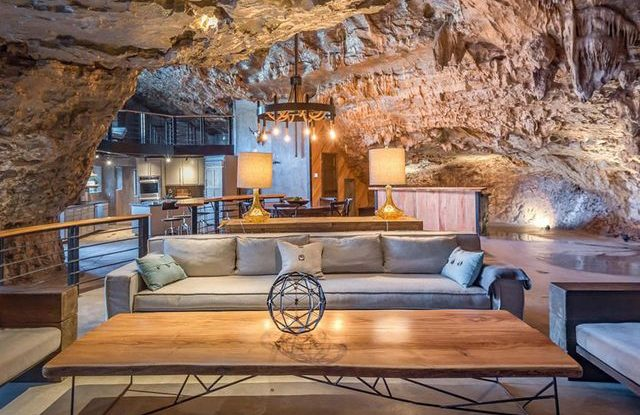 Hotel v jeskyni