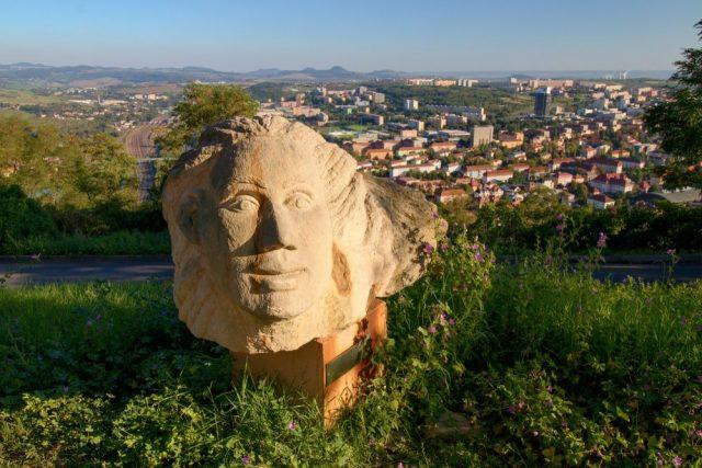 Pohled na město Most z kopce Hněvín