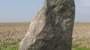 Menhir Zakletý mnich u Drahomyšle