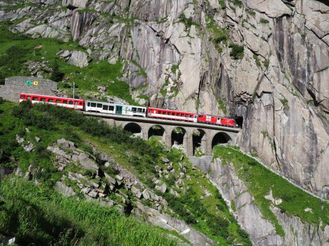 Gotthardský tunel, Švýcarsko